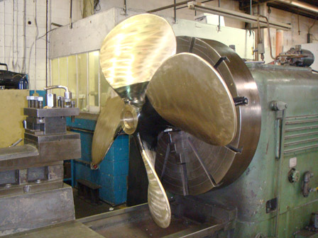 MACHINING / FITTING OF 48inch DIAMETER TUG BOAT PROPELLER